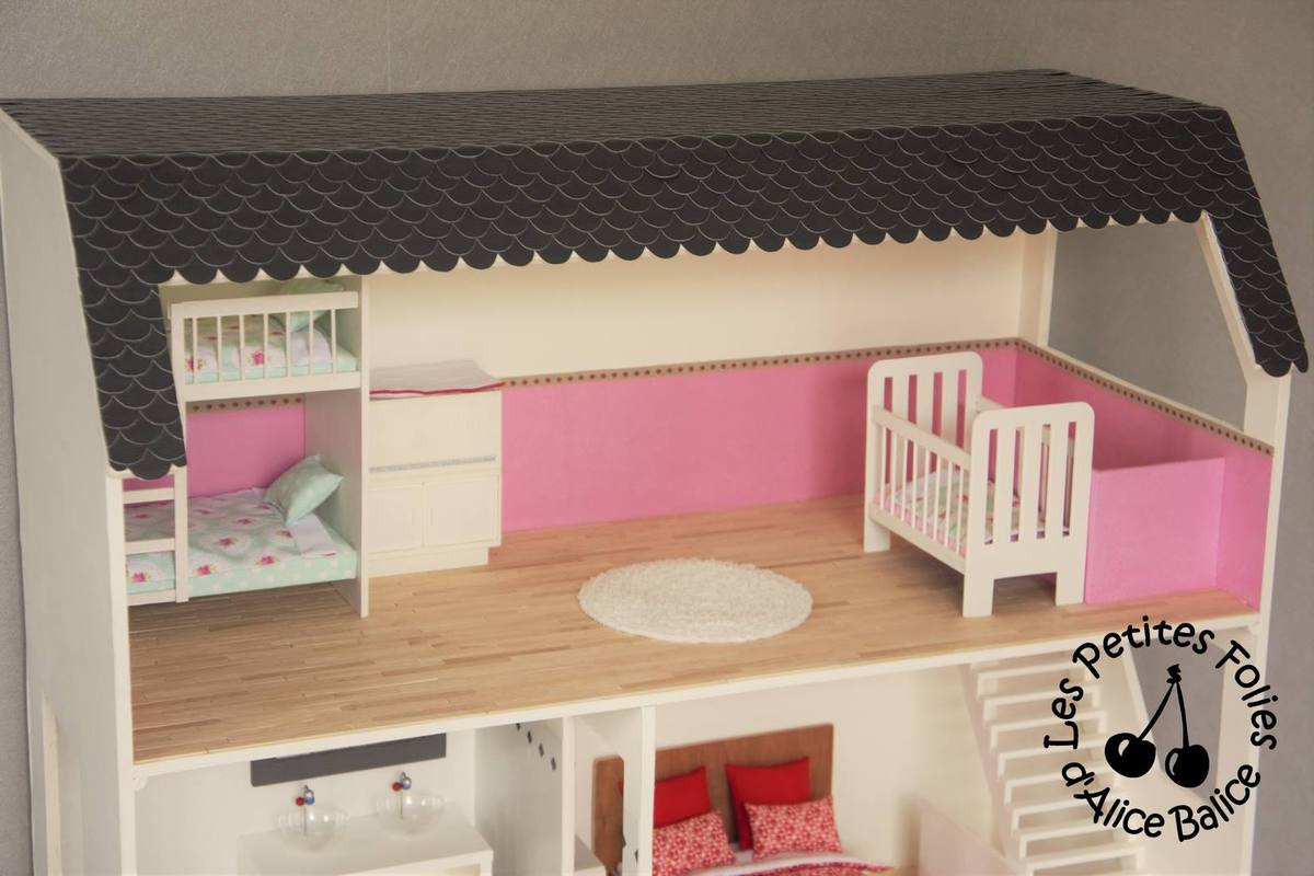 lit baldaquin barbie great lit en forme de chateau princesse lit chateau fille chateau de. Black Bedroom Furniture Sets. Home Design Ideas