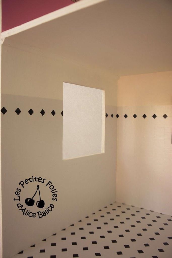 Maison de poupée Barbie | DIY | Doll house | 1/16 ème | sol et murs salle de bain SDB | carrelage en toile cirée