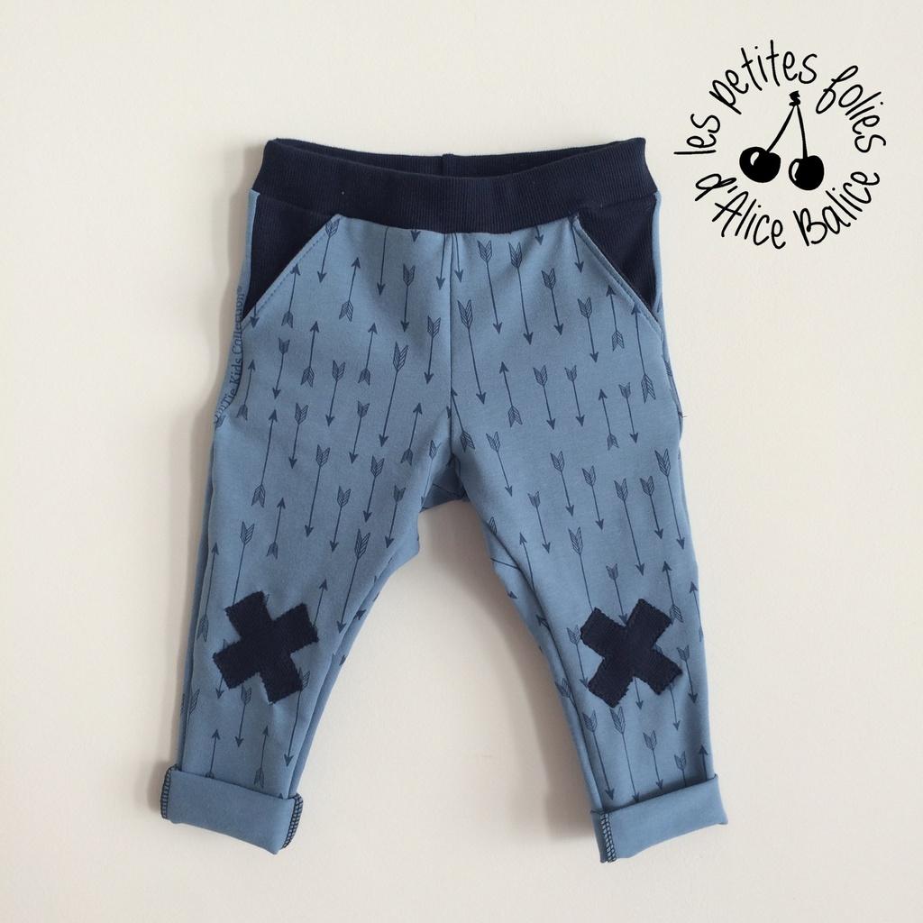 Barnabé a porté ce petit pantalon si confortable pendant tout l\u0027été 🙂