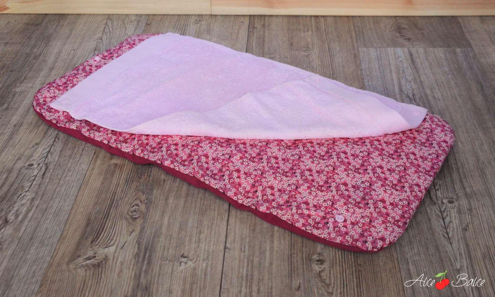 tapis à langer nomade | voyage | balade avec bébé | diy couture | Liberty of London | Misti Valeria rose