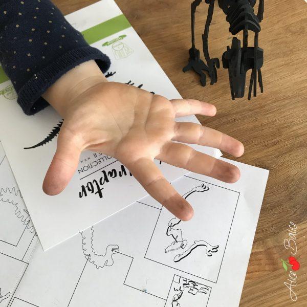 alice balice | dinosaure en carton | velociraptor | agent paper | decoration