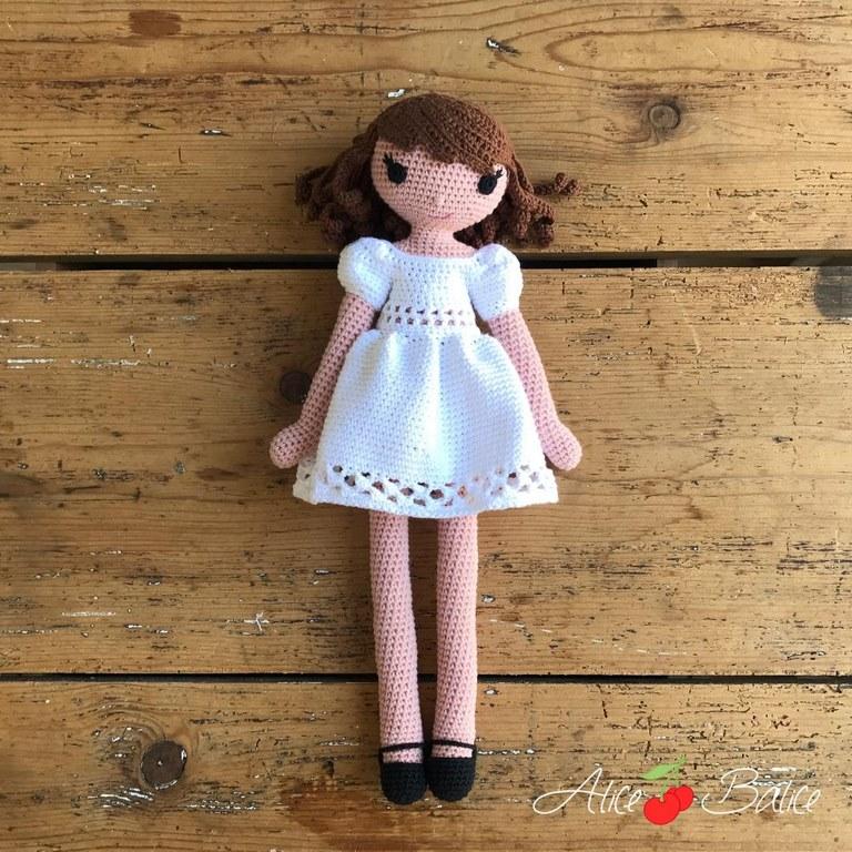 alice balice | tutoriel | crochet | poupée clems | tenue romance | mariée | mariage | premiere communion | baptême | été | robe dentelle | manches ballon