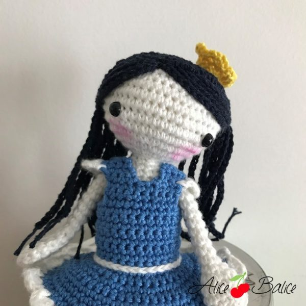 alice balice | tutoriel | crochet | poupée blanche porcelaine | blanche neige | porcelaine | danseuse | couronne